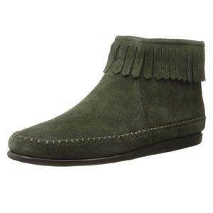 10 | LIKE NEW AEROSOLES | GREEN SUEDE MOCCASINS